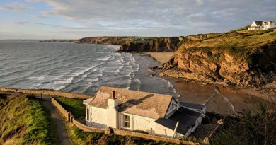 old house on the coast line| Shielding seaside homes from spoilage